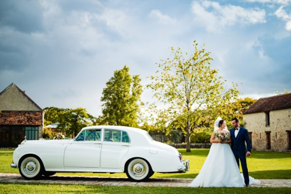 Mariés et voiture (Copier)