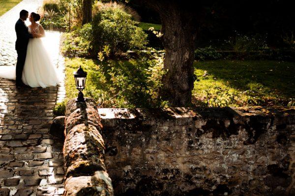 Mariés pont arrière château (Copier)